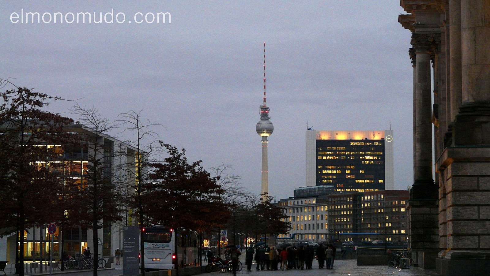 fernsehturm. torre de television vista desde todo berlin