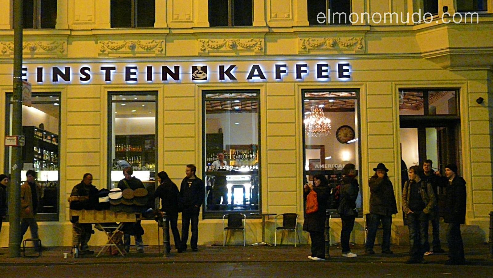 einstein kaffee en checkpoint charlie. berlin