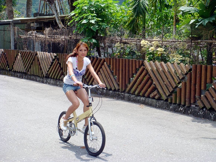 bicicleta-con-color-sillin-raro