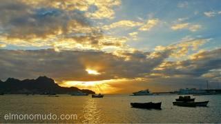 Atardecer en bahia de Mindelo. Isla de Sao Vicente. Cabo Verde