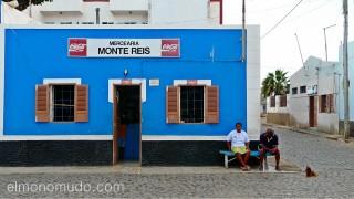Pueblo tranquilo. Palmeira. Sal. Cabo Verde