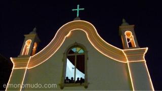 Templo iluminado. Mindelo. Cabo Verde
