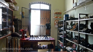 Zapatero en Mindelo. Isla de Sao Vicente. Cabo Verde