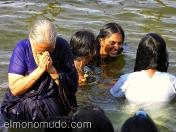 Baño de mujeres en el rio