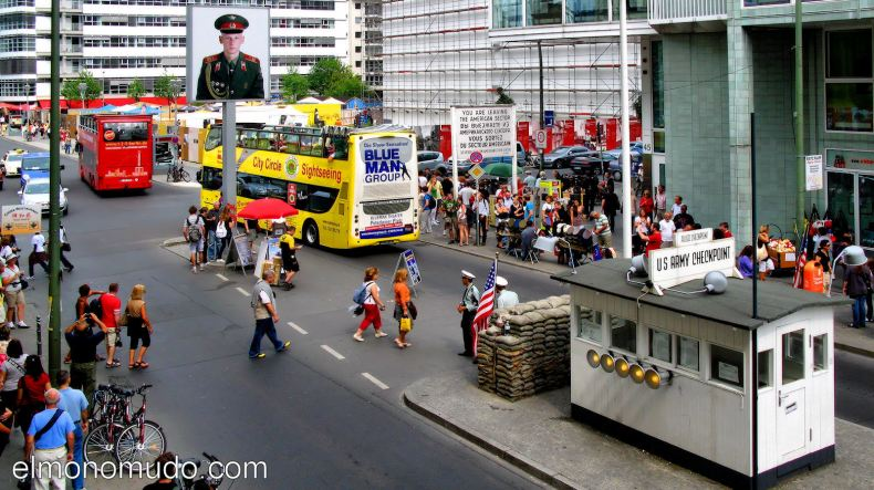 checkpoint_charlie_2010_0