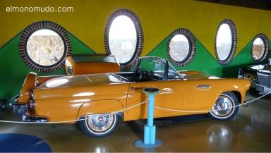 museo de la moto y el coche clasico. hervas.caceres.thunderbird