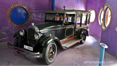 museo de la moto y el coche clasico. hervas.caceres.coche funebre