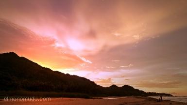 atardecer en el parque nacional tayrona. colombia
