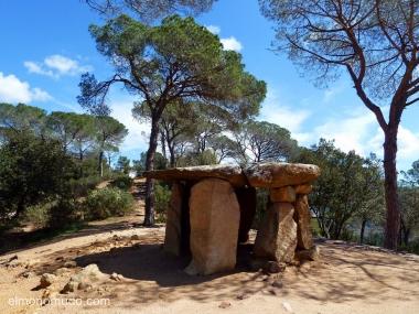 dolmen de vallgorguina o pedra gentil