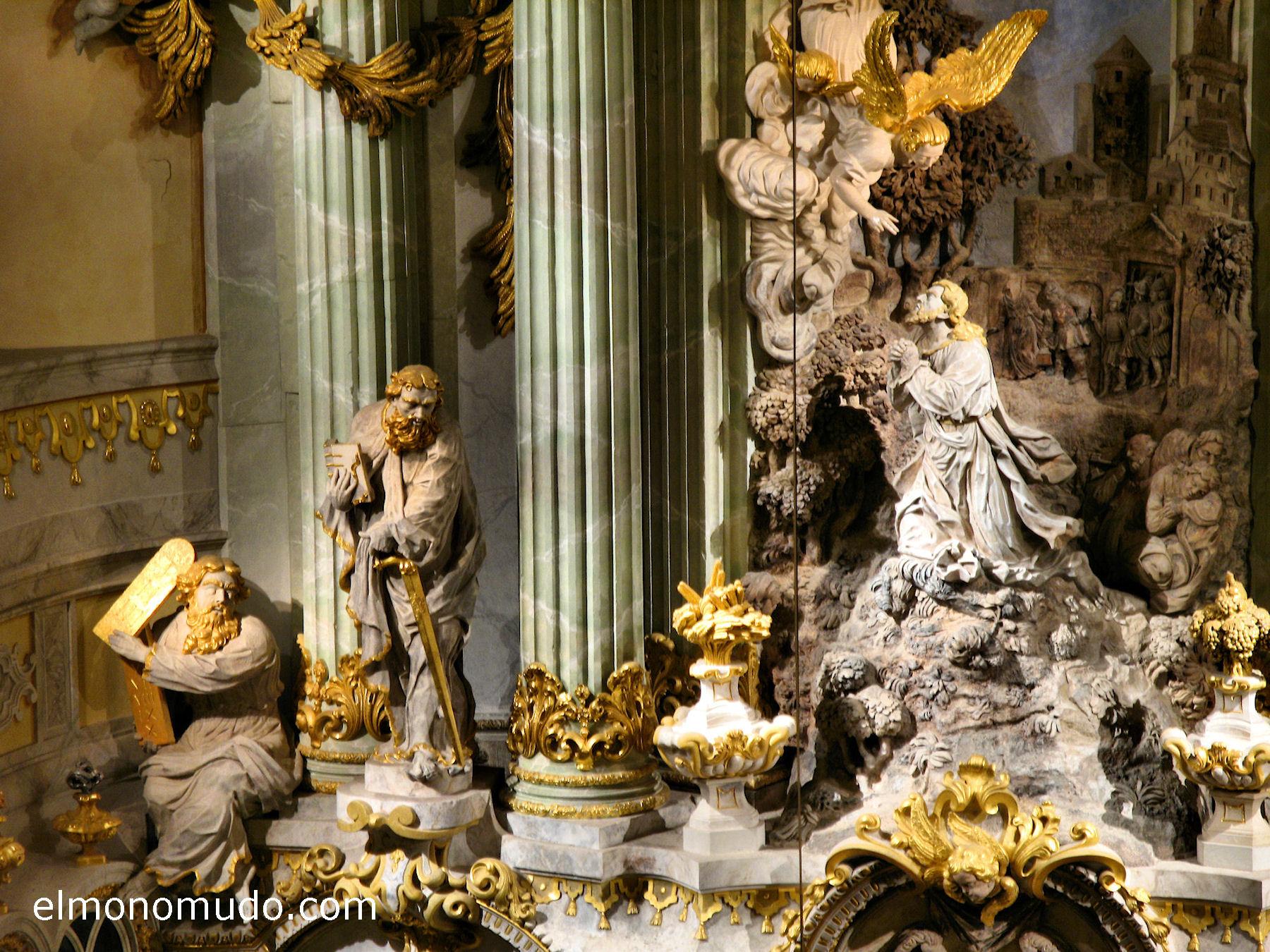 frauenkirche-interior-retablo-centro-detalle-zoom