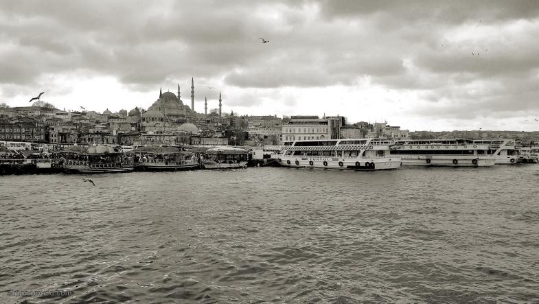 estambul-puente-galata-2011-toma-2-bn