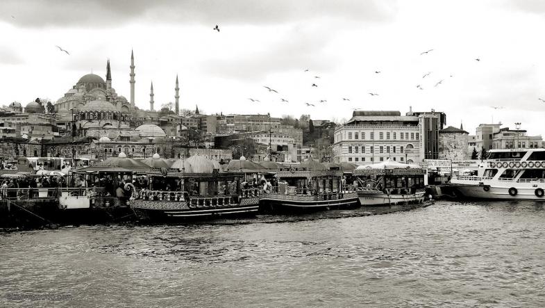 estambul-puente-galata-2011-toma-3-bn