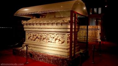 museo-arquelogico-estambul-2011-09 - Sarcofago de Alejandro Magno