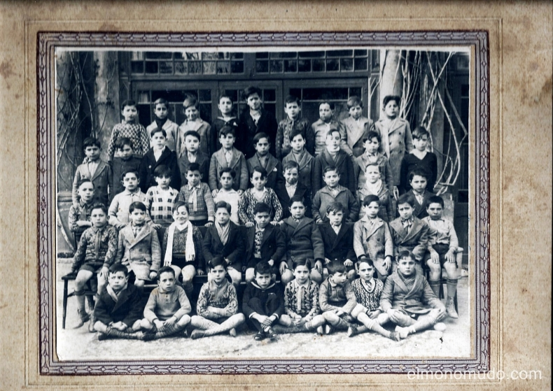 foto antigua de grupo de  alumnos