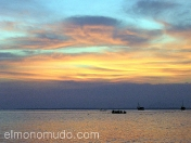 Maravillosa puesta de sol. Lombok. Indonesia.