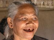 Anciana javanesa masticando betel. Java. Indonesia.