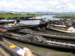 embarcadero en el lago inle, myanmar