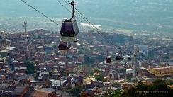subida en metrocable al barrio Santo Domingo. Medellin.Colombia