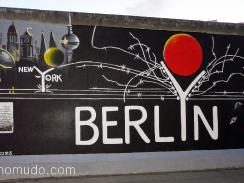 graffitis en east side gallery muro de berlin año 2010