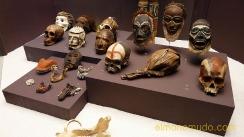 calaveras,mascaras y objetos rituales.museo etnológico de berlín