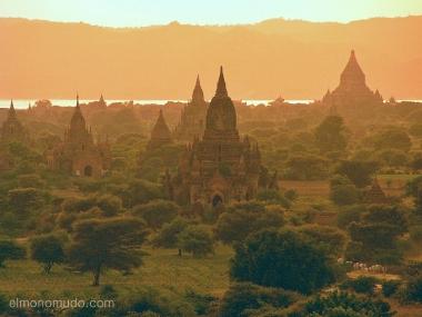 Templos en Bagan.Myanmar. Birmania