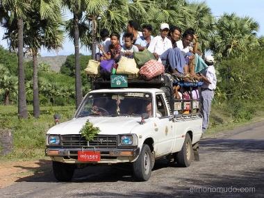 transporte de trabajadores. myanmar. birmania