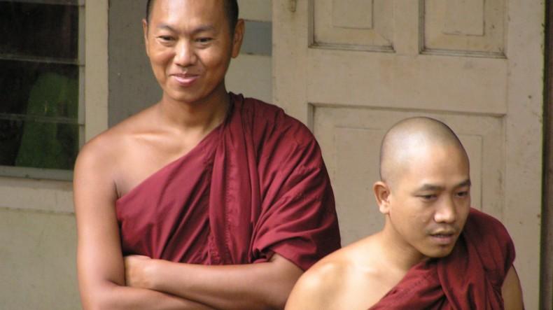 Monjes budistas Myanmar