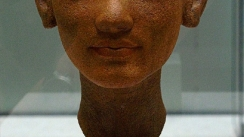 nefertiti-neues-museum-berlin-2010