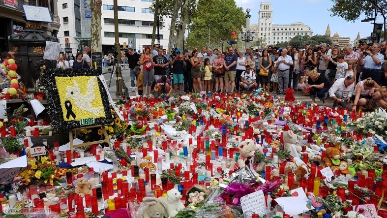 barcelona, atentado ramblas  no tinc por, font canaletes