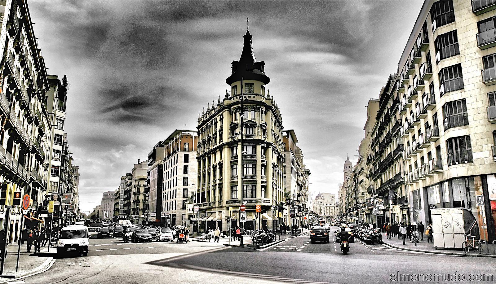 Esquina calle pelayo barcelona for Oficinas de pelayo en barcelona