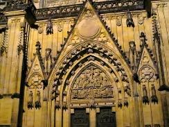 praga-04-catedral-puerta-12-2006.jpg