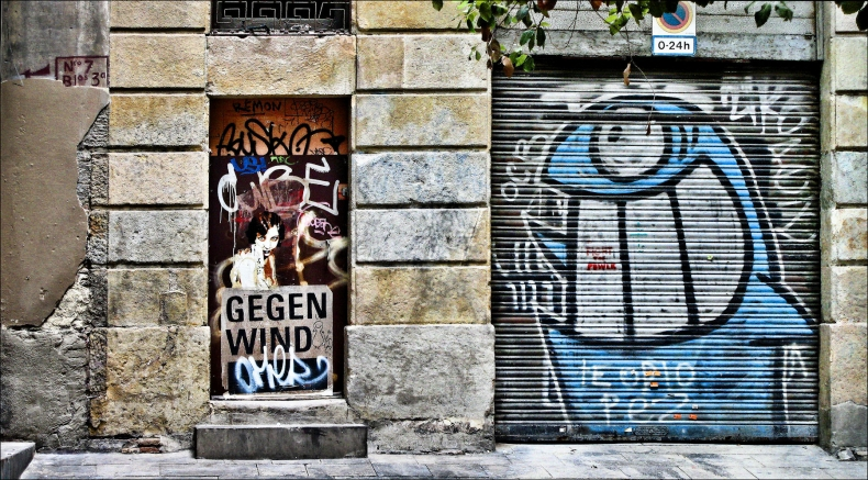 puertas_cerca_de_plaza_de_la_veronica_barcelona_1800x996
