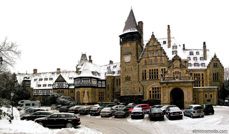 Schloss Hotel stitch