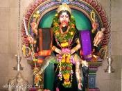 Kali, diosa de la destrucción y la muerte, consorte de Siva y madre de Ganesa y Murugan