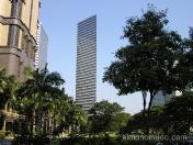 Moderno y extraplano rascacielos. Singapur.