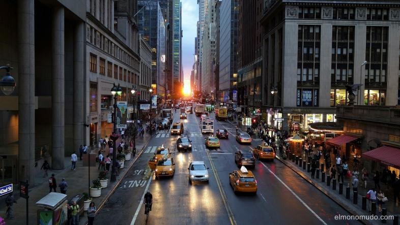 Manhattanhenge.New York.Manhattan