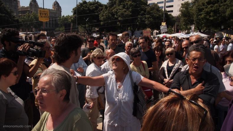 spanish-revolution-barcelona-22052011-view-1