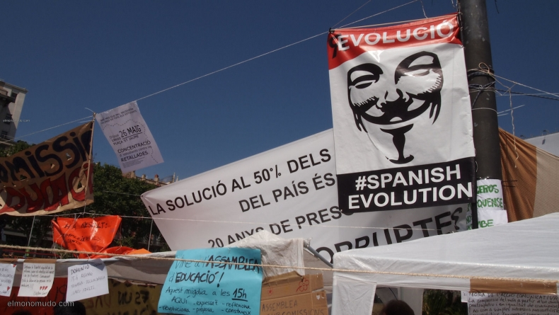 spanish-revolution-barcelona-22052011-view-2