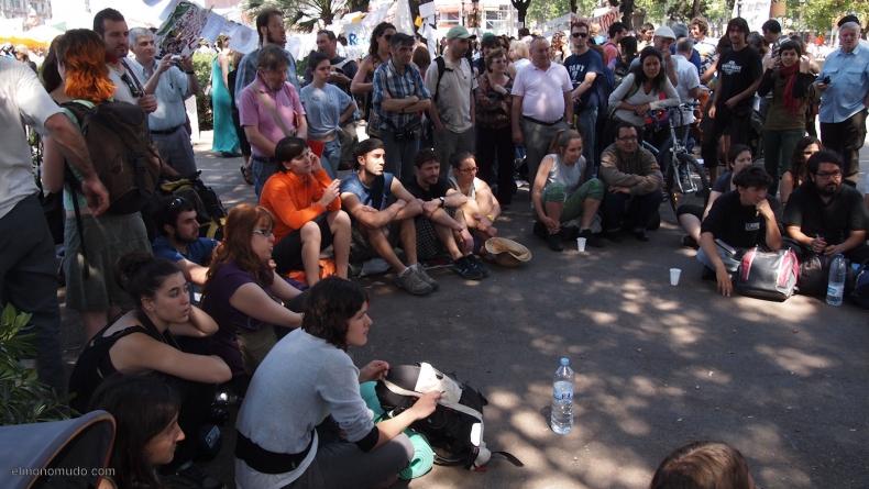 spanish-revolution-barcelona-22052011-view-15