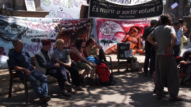 spanish-revolution-barcelona-22052011-view-17