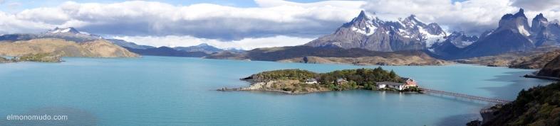 Lago Pehoe y Torres del Paine.Patagonia.Chile
