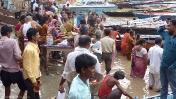 Varanasi baño en el rio