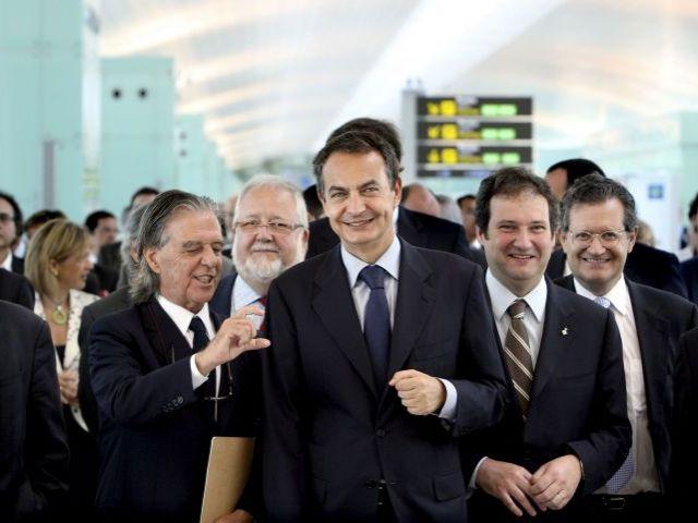 Politicos en terminal uno