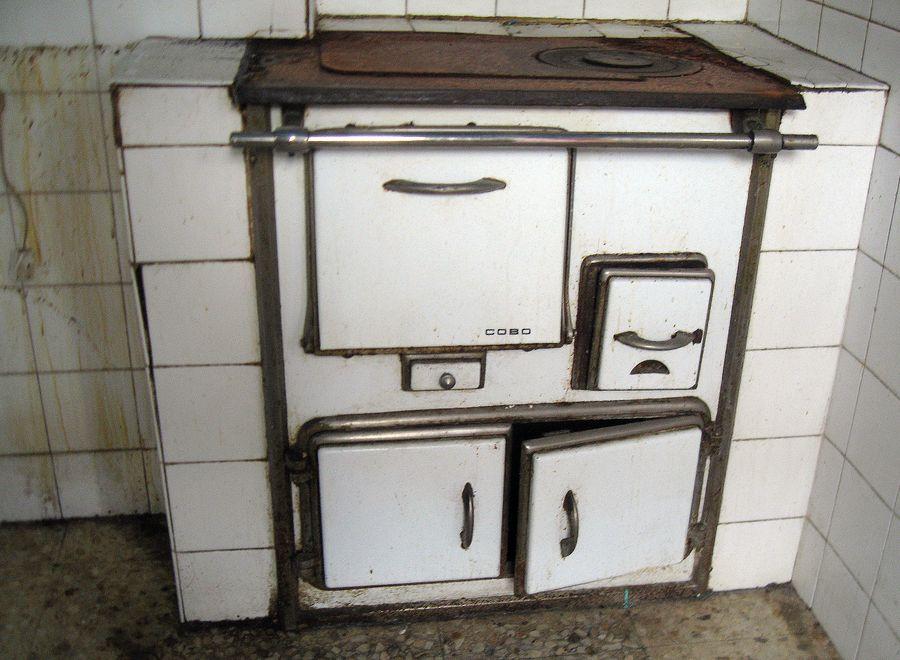 Como combatir el frio sin calefacci n central - Cocinas de carbon y lena ...