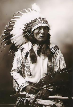 gran jefe sioux con flecos